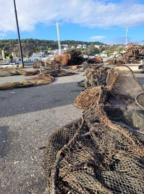 søppel hentet av dykkere under ryddekaksjon